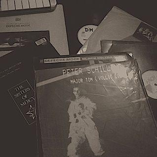 David Mallada (Pop 80-Techno Pop -Ebm etc) Grabada con vinilos en Babys Club, año 2000