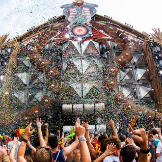 GAVE @ TOMORROWLAND (27-07-2012) Q-DANCE STAGE