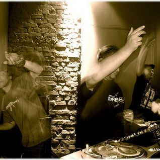 Dj Dread vs Mc Blair, Mc Apakut, Mc J.T., Mc IC3, Mc Stevie A live @Jungle Invasion Eishaus HL 2004