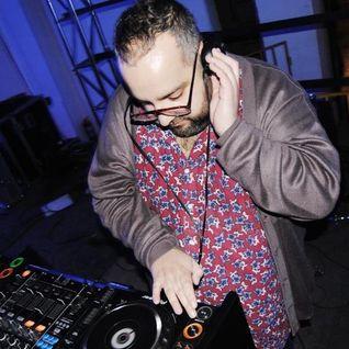 DJ Xtralarge -Enero/January 2012