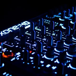 Deejay Xaren - Live the music, winter mix.