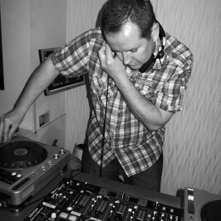 Techno Mixed By Chris Woods
