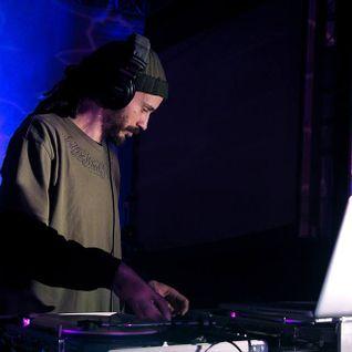 DJ GEOFFRO - RENEGADE SOUNDCLASH