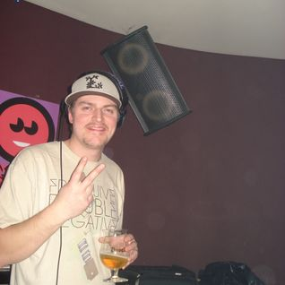 DJ TECHNETIC PRESENTS JUKE EM UP VOL 1