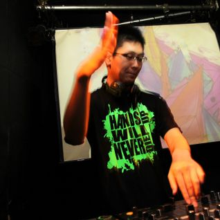 0809 Hands Up Mix for THGS15