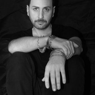 """Antonio Grassia presenta """"Again """""""