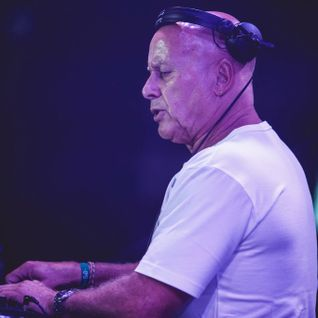 Graham Gold - Live at Merkaba on Koh Phangan-on cdj's of course!
