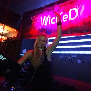 Fabrizia - Wicked 7 - Ibiza Live Radio