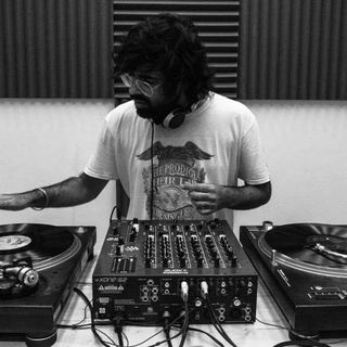 WAXOUT - Hemant Chotani FT: Pink Floyd, Led Zeppelin, The Doors, Tame Impala, Radiohead