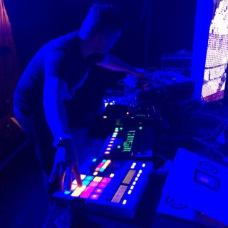 Florian Meindl LIVE at Trabendo Paris MODULAR Night April 2016