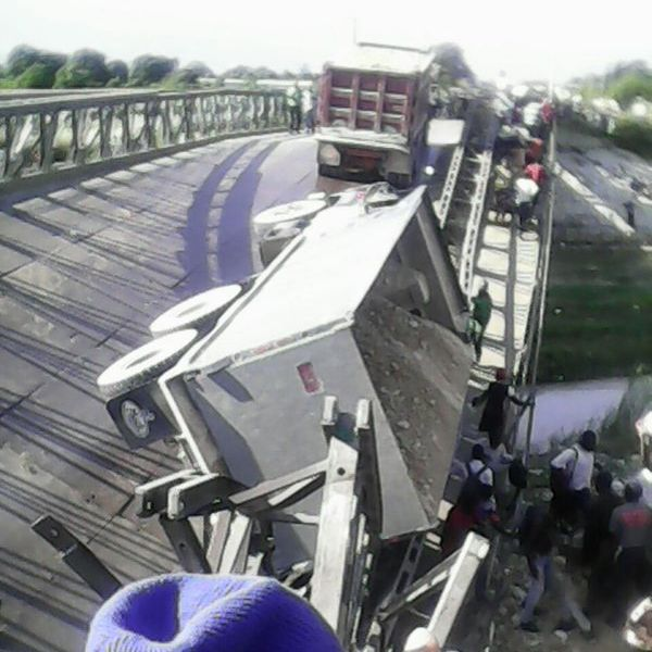 Réaction de Jn Monard Metellus sur l'effondrement du pont de la route nationale No 9