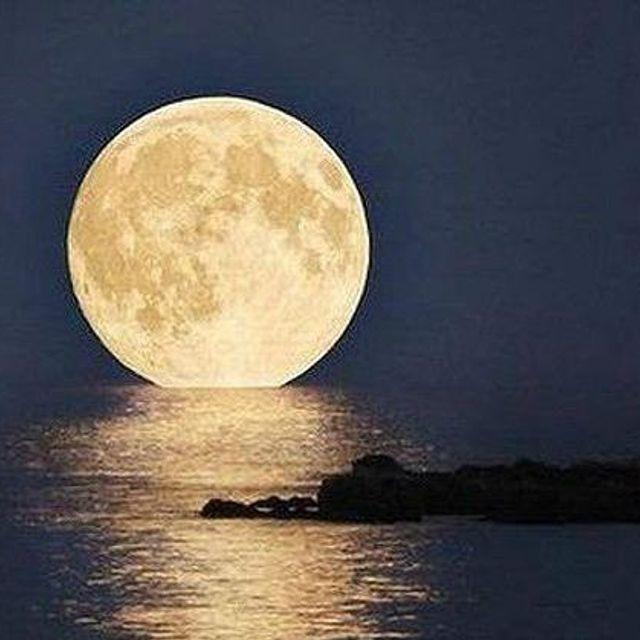 Full Moon Rising Mix