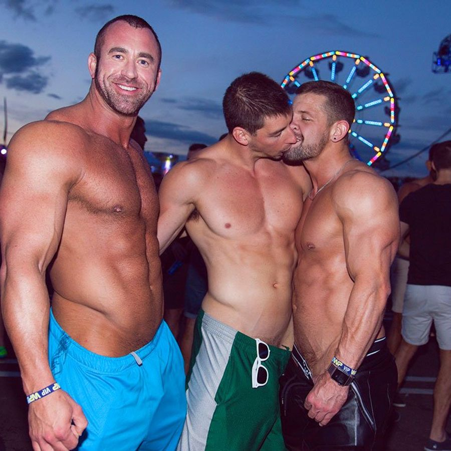 Www gay party