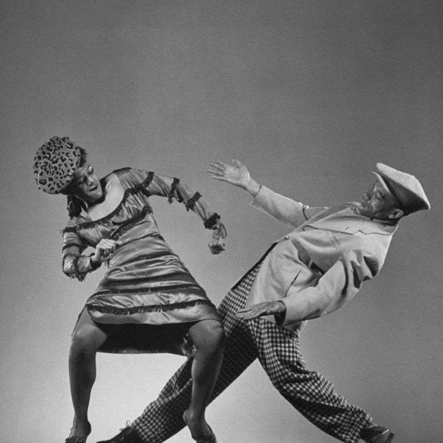 Прикольный танец в картинках